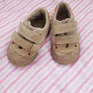 Zara baby boy beige sneakers size 3 (S1)